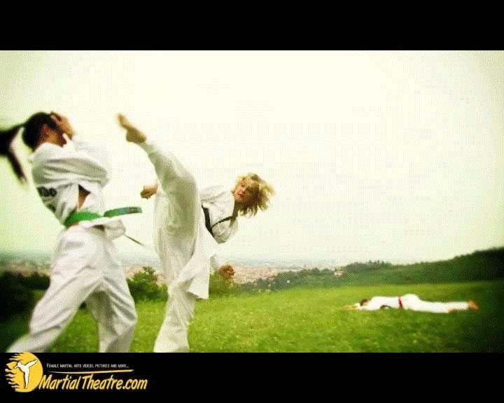 FightingDream com | Splinter Alison outdoor tkd karate kicks